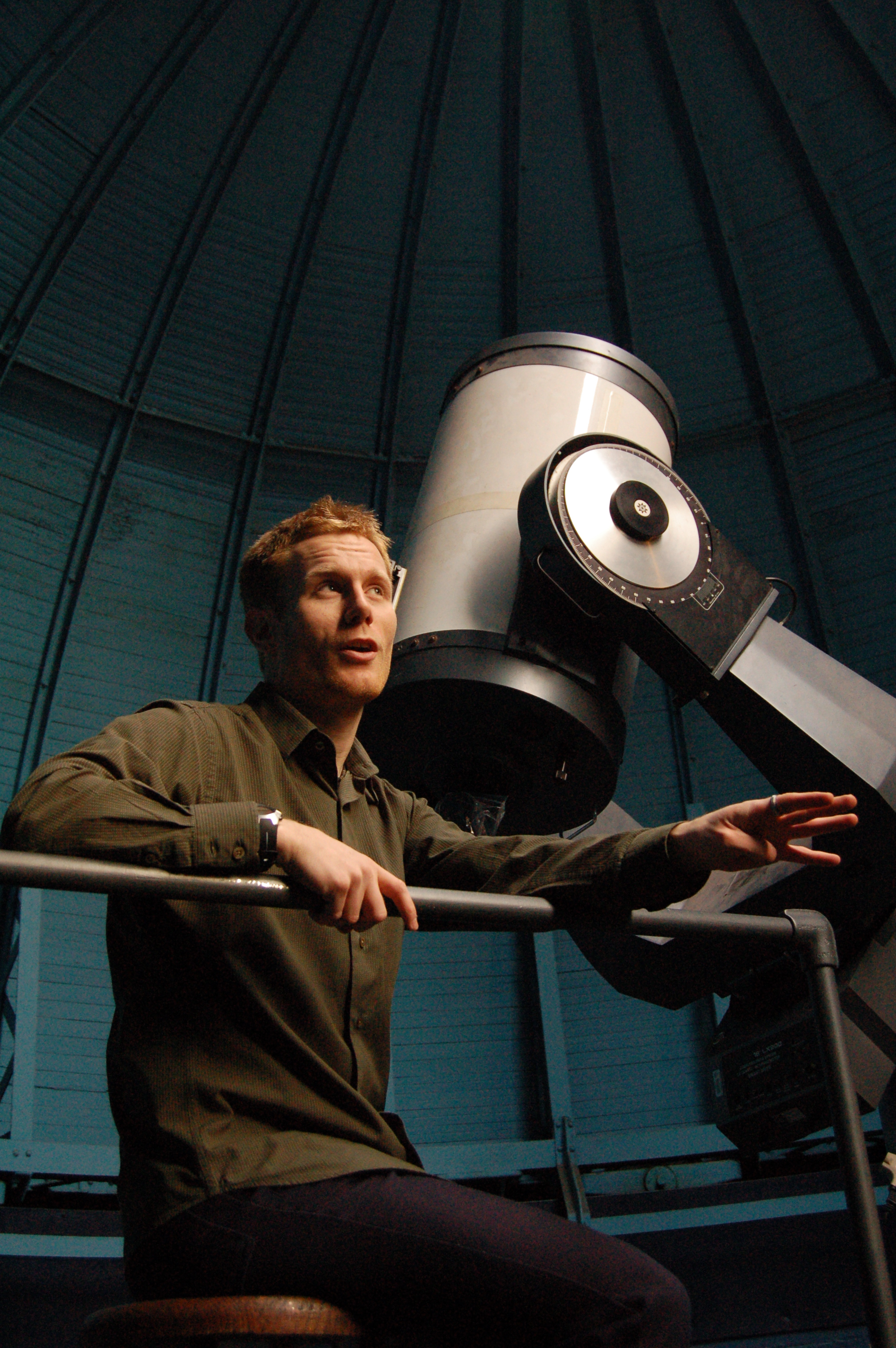 Cameron Hummels in his observatory, 2009. Lucas Laursen for Science Careers.